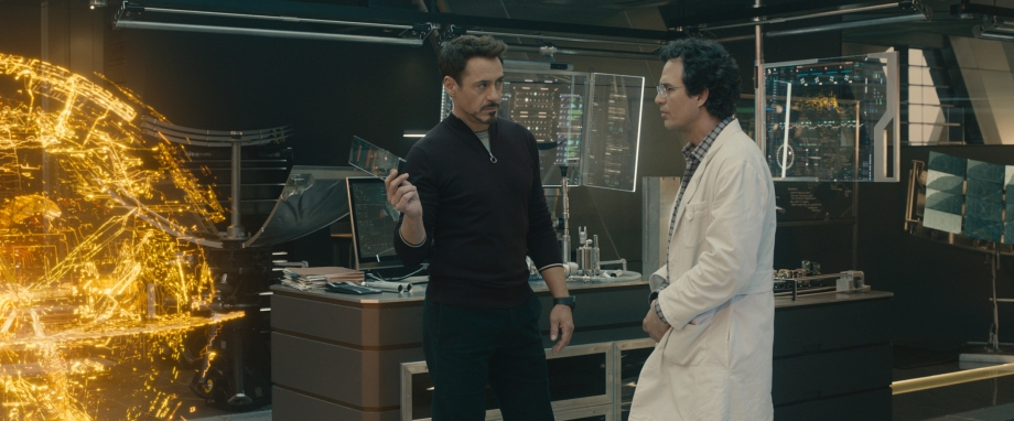 Marvel's Avengers: Age Of Ultron..L to R: Tony Stark/Iron Man (Robert Downey Jr.) and Bruce Banner/Hulk (Mark Ruffalo)..Ph: Film Frame..?Marvel 2015